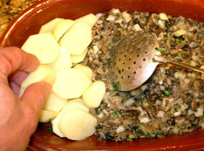 добавление картофеля к фаршу для опят