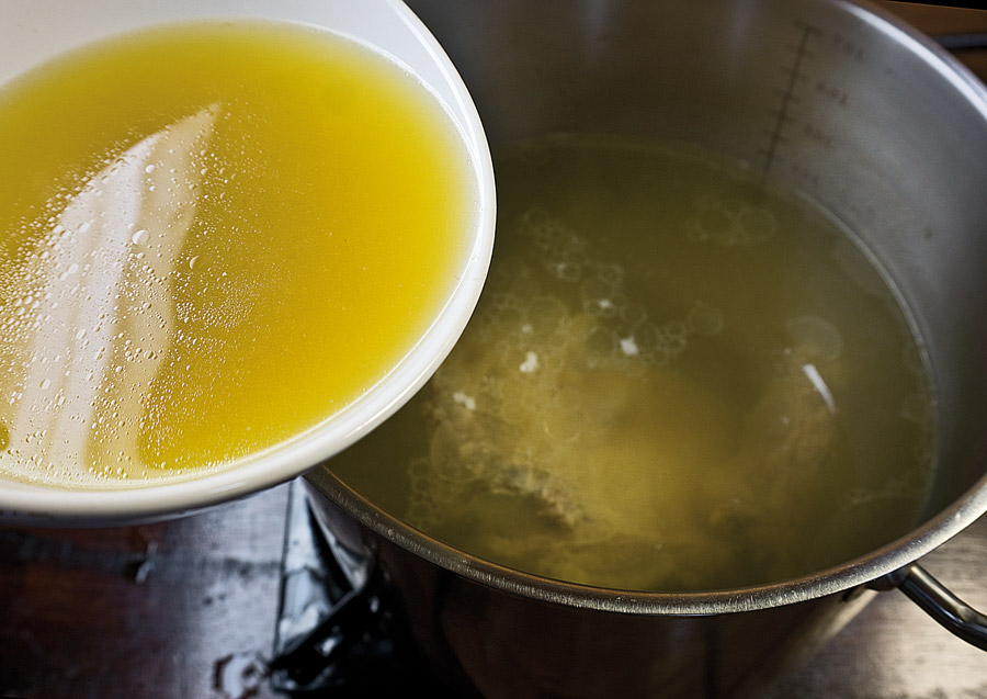 добавление почечного бульона в основной бульон