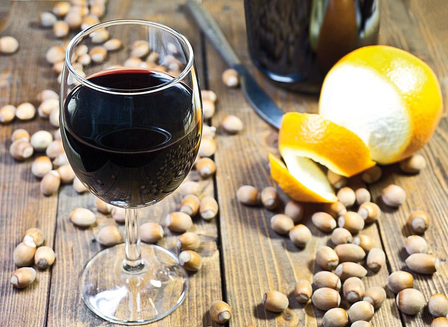 готовое вино из черники, черничное вино