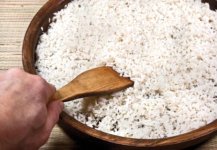 охлаждение отваренного риса
