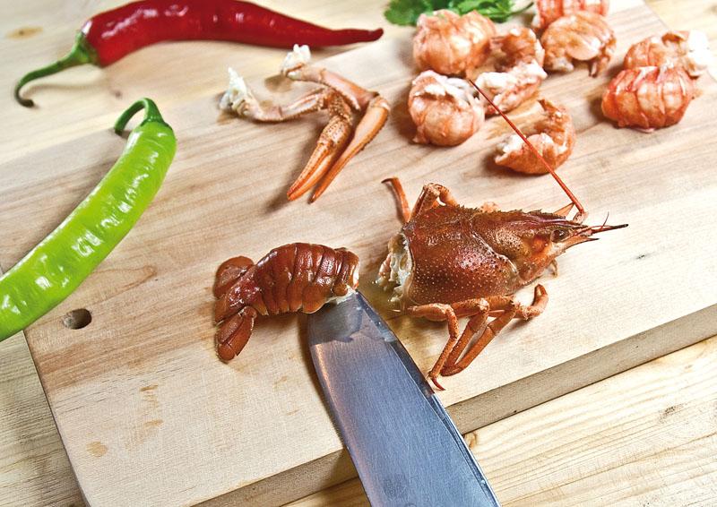 разделка раков для сборной рыбной солянки